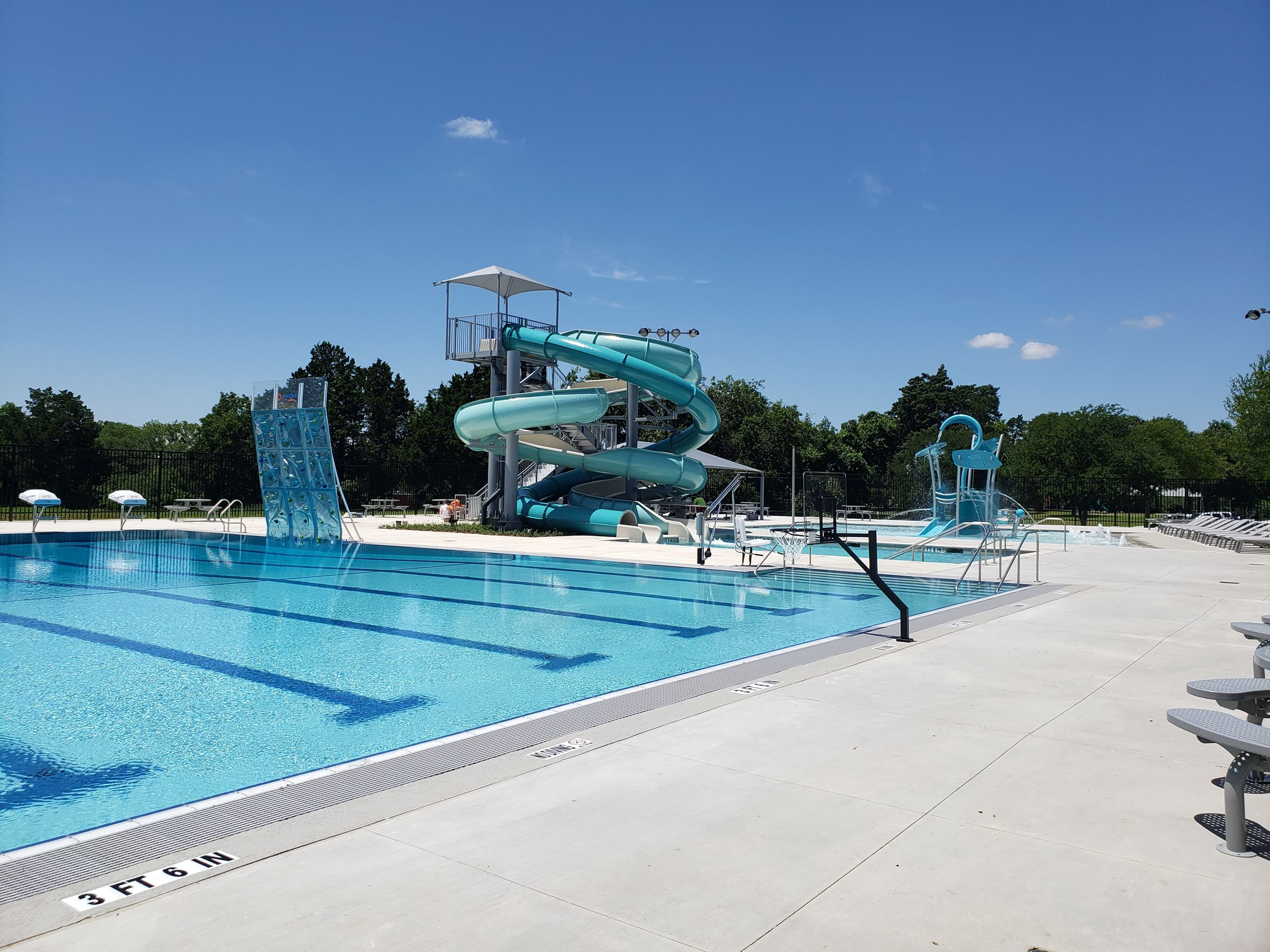 Lake Highlands aquatic center